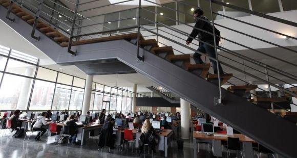 Université Versailles-Saint-Quentin - Bibliothèque universitaire UVSQ - Crédit : Christian Laute UVSQ