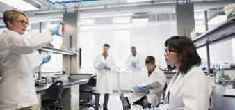 Le Réseau mondial des recherches sur la pandémie centralise tous les projets de recherche sur les impacts du Covid-19. //©DEEPOL by plainpicture