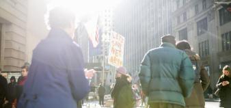 À New-York, des manifestants ont protesté contre la fin de la neutralité du Net. //©SAM HODGSON/The New York Times-REDUX-REA