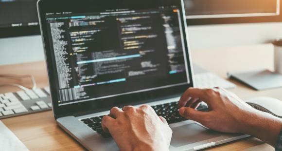 Les stratégies des écoles de commerce pour former leurs étudiants au numérique