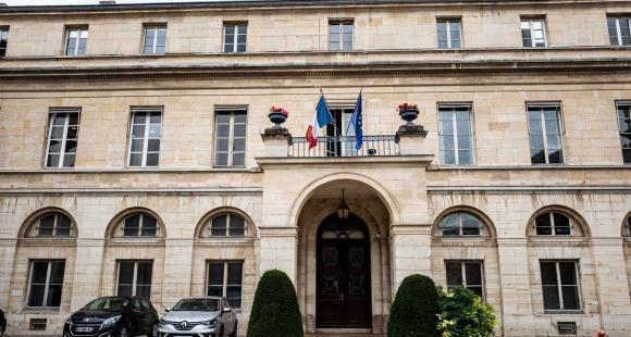 PLF 2021 : 606 millions d'euros supplémentaires pour le supérieur et la recherche
