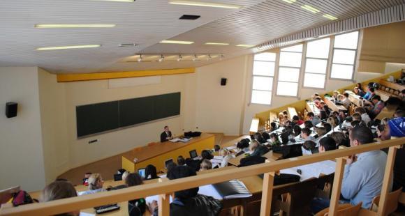 Amphithéâtre de licence - université du Havre - ©C.Stromboni mai2011