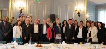 Les onze directeurs et présidents d'entreprise signataires de la charte d'engagement //©Agence du service civique