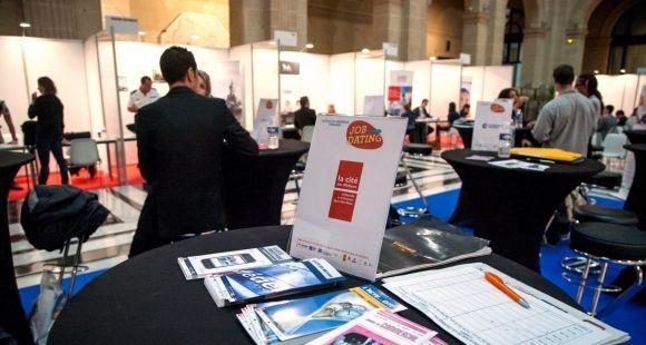Forum Job Dating, en collaboration avec l'université d'Aix-Marseille. Rencontre entre jeunes diplomés et entreprises - 2013