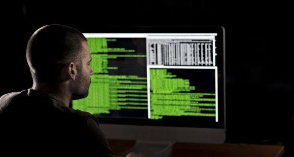 Avec l'explosion des systèmes d'informations et la multiplication des données numériques, la cybersécurité est devenue pour les entreprises un véritable enjeu stratégique.