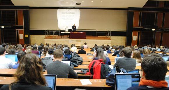 Université Paris 2 Panthéon-Assas - Amphithéatre en droit - 2012