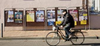 Panneaux électoraux à Chartres (novembre 2015). Dans le Centre-Val de Loire, seuls trois candidats aux élections régionales 2015 déclarent la profession de