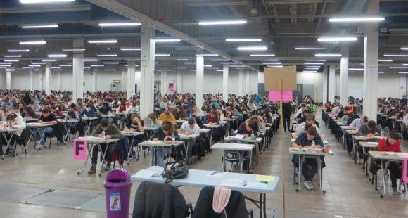 Au concours de PACES de la faculté Lyon Sud : plus de 1200 candidats jouent leur avenir.