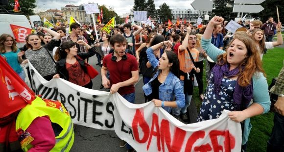Etudiants de l'université Blaise Pascal (Clermont-Ferrand) - Manifestation contre l'austérité - 16 octobre 2014
