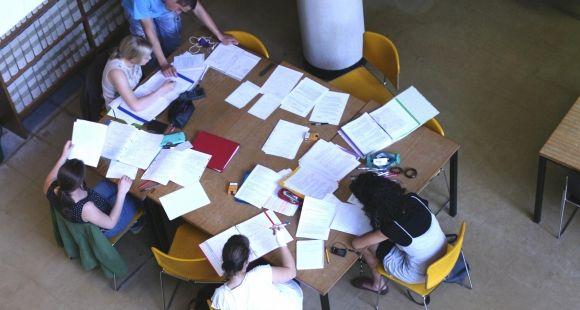 Les étudiants de l'université de Bourgogne peuvent se rendre dans un centre dédié au français, pour qu'on les aide à relire leurs copies.