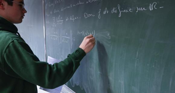 """""""On va devoir abaisser le niveau des maths dans le supérieur"""" (S. Planchenault)"""