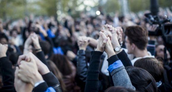Apporter des clefs de compréhension aux étudiants, développer l'esprit critique, remplir sa mission sociale... le rôle de l'université, au lendemain des attentats de Paris, est multiple.