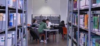 Aix-Marseille université - Saint-Charles - bibliothèque - décembre 2012 – ©C.Stromboni