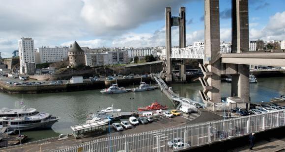 L'école de commerce de Brest est rachetée par le groupe chinois Weidong qui détient plus de la moitié du capital.