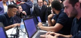 Quatre partenaires rejoignent la grande école du numérique en qualité de membres fondateurs : Google, Capgemini, Société Générale et la Caisse des Dépôts. //©Elysée. F. Lafite