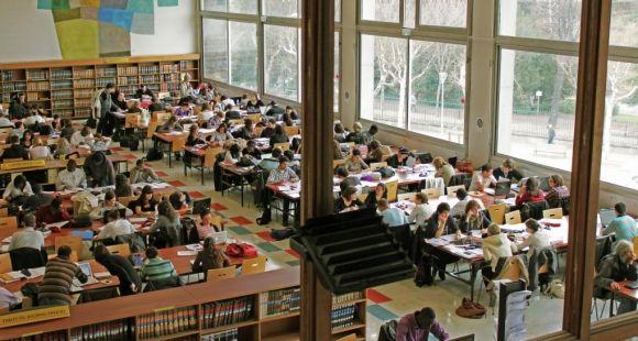 Université d'Auvergne - Clermont-Ferrand - BU Droit © Service Communication UdA - janvier 2011