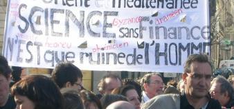 Chercheurs à la manifestation du 19 mars à Paris