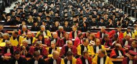 Les doctorants représentent 4% des effectifs de l'université française, dont 48% de femmes.