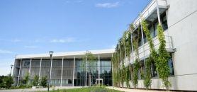 L'Ensta ParisTech voit le montant de ses droits d'inscription augmenter, pour atteindre 2.150 €, comme c'est le cas pour les écoles d'ingénieurs dépendant du ministère de l'Économie.