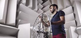 À l'intérieur de la chambre sourde et anéchoïque de l'UTC, le son est de 20 décibels. //©Eric Nocher