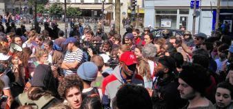 Devant le campus de Tolbiac, des manifestations dénoncent l'évacuation des étudiants par les forces de l'ordre, vendredi 20 avril 2018. //©Etienne Gless