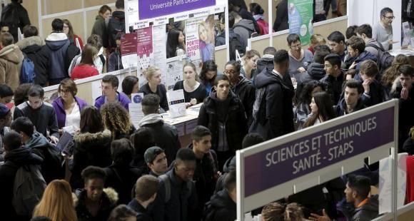 En 2027 : moins de doctorants, plus d'étudiants en cursus hors universités