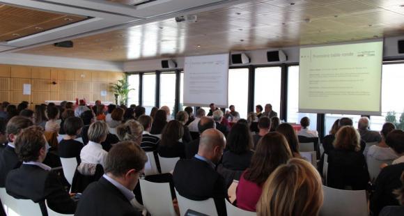 Conférence [Innovation pédagogique] Moocs, Serious Games, Design Thinking : quel R.O.I.? #confEP