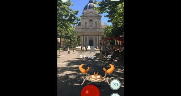 Krabi, un pokémon, devant la faculté Paris 1