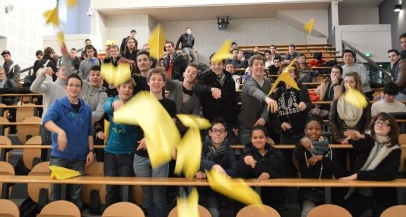 Février 2014. Des élèves ingénieurs de l'Isat Nevers et des lycéens ont participé au challenge Cargo visant à sensibiliser les jeunes à l'entrepreneuriat ©Polytechnicum