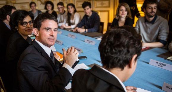 Manuel Valls - Les syndicats étudiants et lycéens reçus à l'hôtel Matignon sur le projet de loi El Khomri de réforme du Code du travail - 11 avril 2016