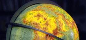 On attend des universités africaines qu'elles soient compétentes au niveau local et qu'elles s'internationalisent et participent à la compétition mondiale et acharnée de l'enseignement supérieur, estime Hanne Kirstine Adrianen. //©Michaela Weingärtner/Plainpicture