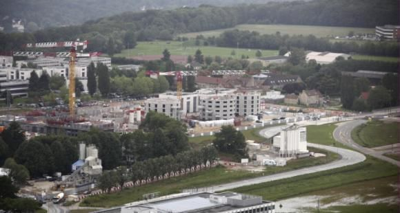 Malgré les tensions politiques, l'Université Paris Saclay poursuit sa construction.