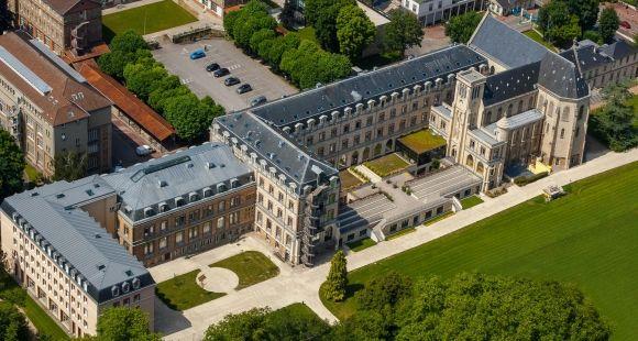 Le lycée Sainte-Geneviève à Versailles