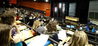Amphithéatre sur le campus de Nancy de lettres et sciences humaines, université de Lorraine //©Alex Herail