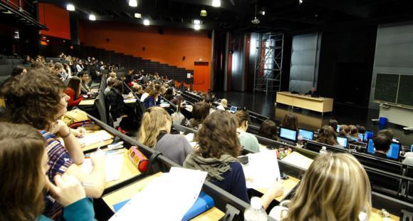 Amphithéatre sur le campus de Nancy de lettres et sciences humaines, université de Lorraine