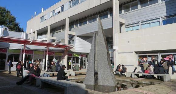 Faculté des lettres, langues et sciences humaines, université d'Angers campus Belle-Beille