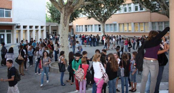 Lycée Alphonse-Daudet de Tarascon - Rentrée des élèves
