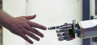 Si l'intelligence artificielle peut être utilisée à bon escient dans le domaine militaire, son contrôle doit être laissé aux humains, rappelle Toby Walsh, professeur à la New South Wales University. //©Ana Nance/REDUX-REA