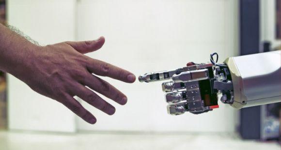 Robots tueurs: la recherche en intelligence artificielle bouleverse la géopolitique