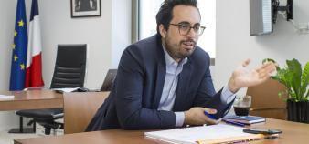 Pour Mounir Mahjoubi, il faut former et informer enseignants et élèves aux enjeux du numérique. //©Audoin Desforges pour l'Etudiant