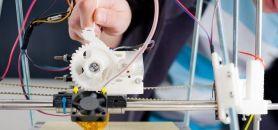 Imprimante 3D dans un FabLab //©Fotolia