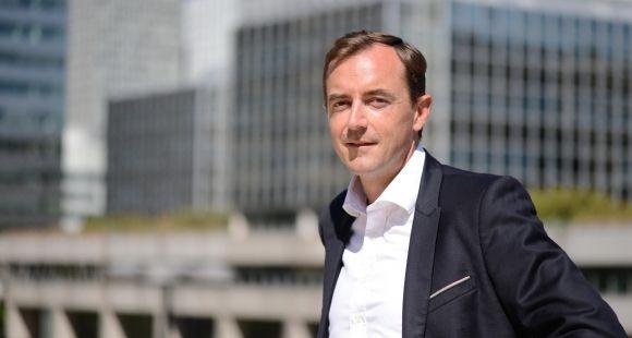 """Christophe Catoir, président d'Adecco France, veut former 10.000 personnes en trois ans dans son """"école de l'alternance""""."""