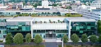 Vue de face du nouveau siège parisien de Skema, l'ancien centre de recherche d'Airbus-EADS à Suresnes. //©Skema BS