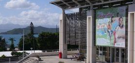 De la licence au master, en passant par le doctorat et les laboratoires de recherche, l'université de Nouvelle-Calédonie joue à fond la carte calédonienne. //©Camille Stromboni