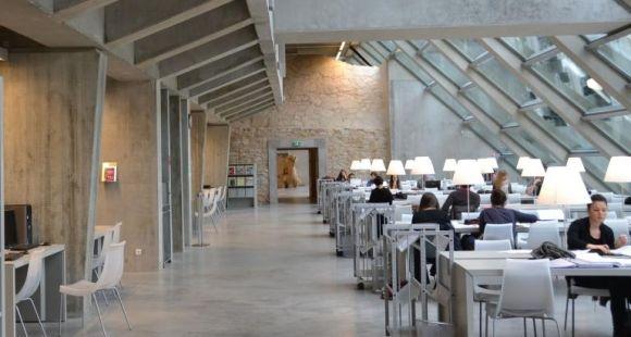Université de Pau et des pays de l'Adour - Bibliothèque - ©I.Dautresme