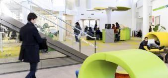 À l'EM Lyon, école de commerce, l'incubateur propose plusieurs formations dédiées à l'entrepreneuriat. //©Stephane AUDRAS/REA