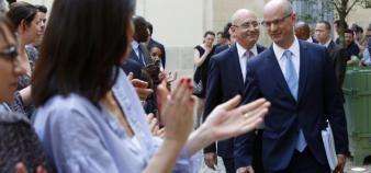 Jean-Michel Blanquer arrive pour la passation de pouvoir avec Najat Vallaud-Belkacem. Derrière lui, Christophe Kerrero, pressenti pour être son directeur de cabinet. //©Nicolas Tavernier / R.E.A