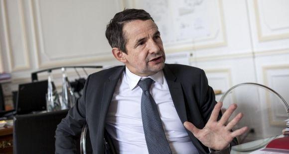Thierry Mandon secrétaire d'Etat à l'Enseignement supérieur et à la Recherche - rue Descartes