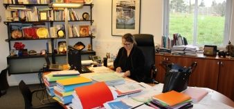 Christine Gangloff-Ziegler, à son bureau de l'université de Haute-Alsace. //©Marine Miller