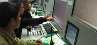 Des instructeurs de l'Enac forment des étudiants chinois au métier de contrôleur aérien sur le campus de la CAUC à Tianjin ©S.Blitman avril 2013